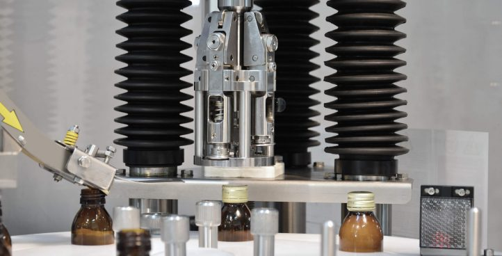 PHARMACEUTICAL SYRUP BOTTLES, BLOWING, FILLING, CAPPING, LABELING MACHINE PF1